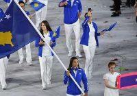 majlinda kelmendi olympische spelen vlag binnendragen