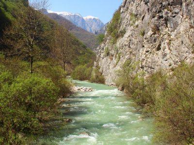 De rugova vallei in Kosovo